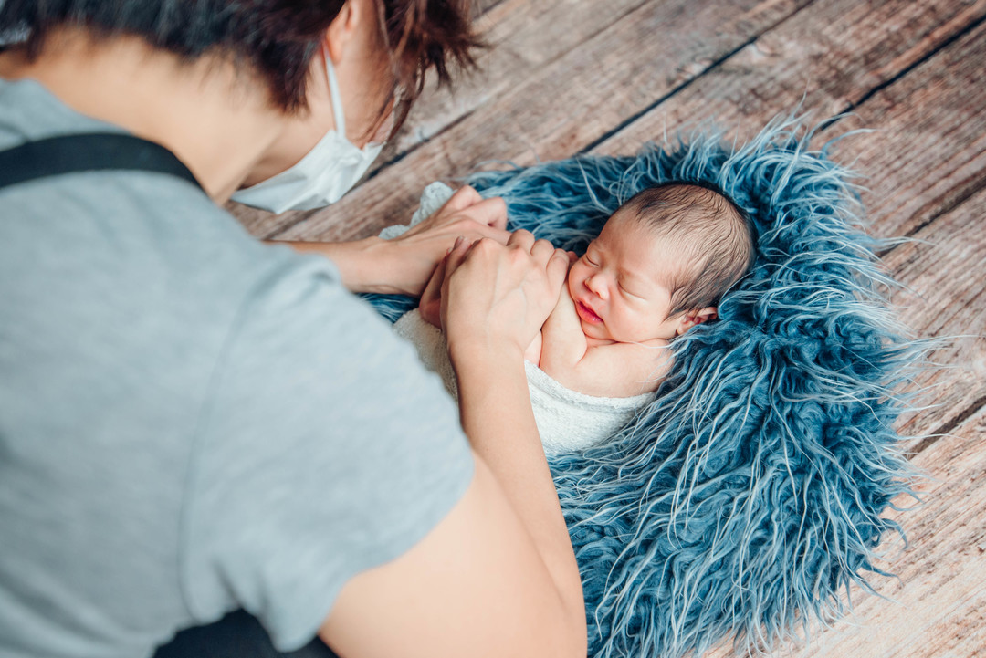 """赤ちゃんがうまれた喜びを形に残す""""アートニューボーンフォト""""の撮影に密着♩撮影同行レポートvol.2  7番目の写真"""