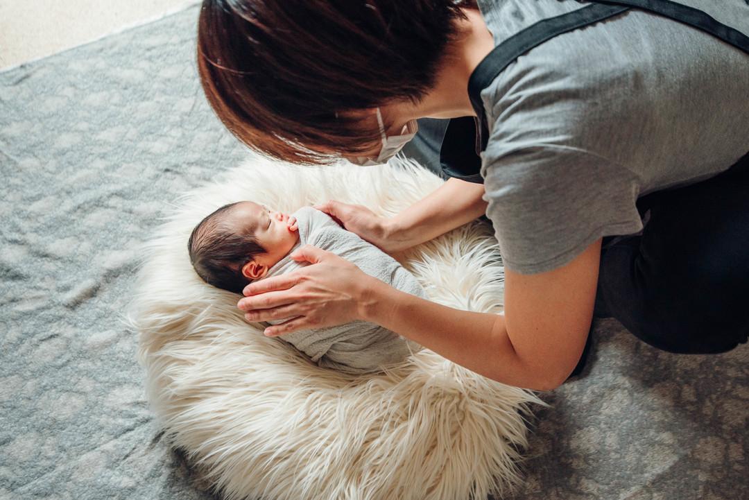 """赤ちゃんがうまれた喜びを形に残す""""アートニューボーンフォト""""の撮影に密着♩撮影同行レポートvol.2  8番目の写真"""